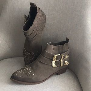 Steve Madden Suede Tan & Gold Studded Booties